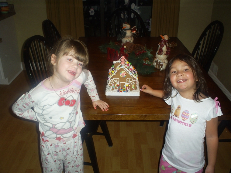meg-n-kaya-gingerbread-house
