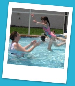 Playing_in_the_pool_044